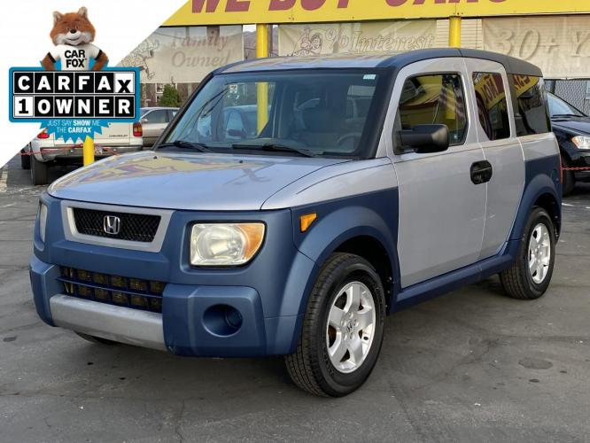 2005 Satin Silver Metallic /Gray Cloth Honda Element EX 4WD (5J6YH27645L) with an 2.4L I4 engine, Manual transmission, located at 801 South State Street, Salt Lake City, UT, 84111, (801) 328-0098, 40.751953, -111.888206 - Photo #0
